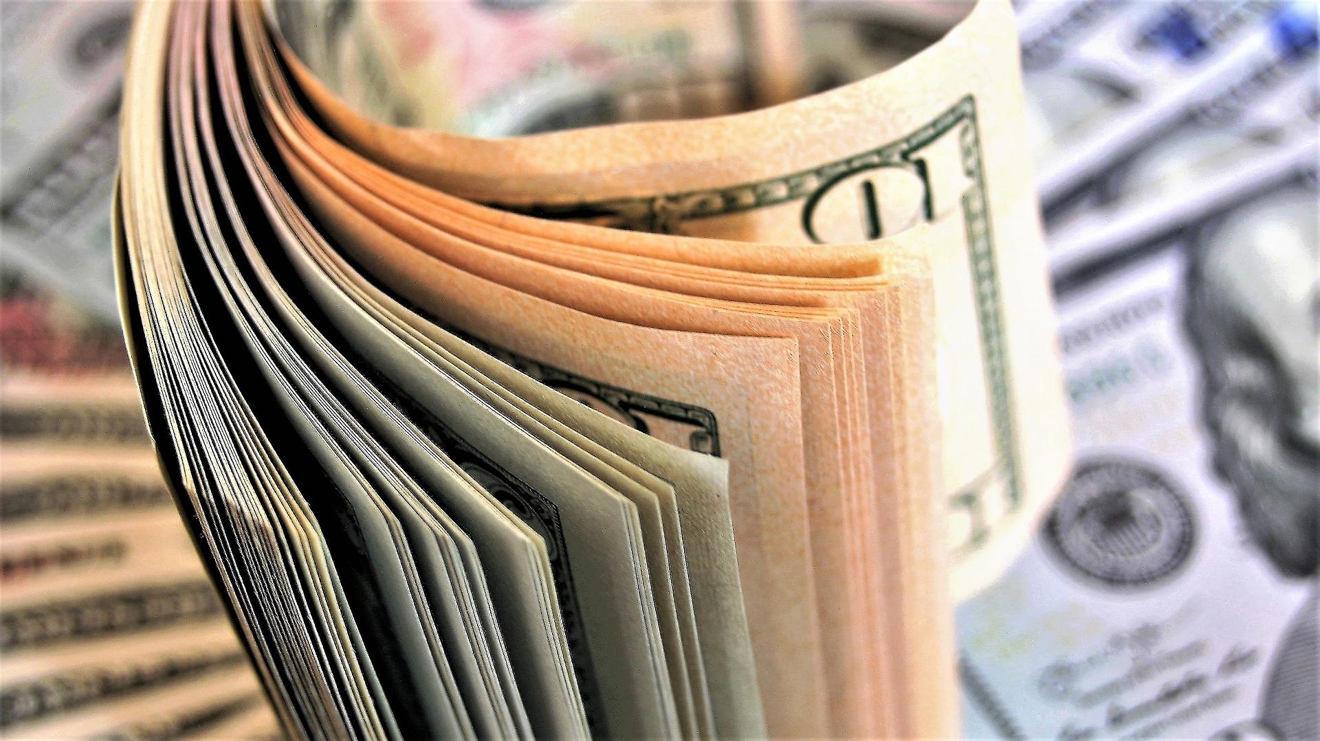 budget travel money exchange
